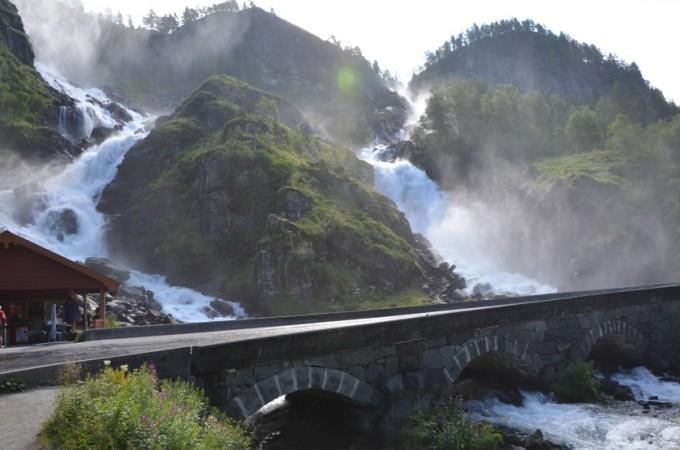 Wodospad Latefossen Norwegia