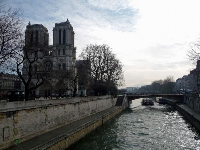 Katedra Notre Dame na wyspie Paryż