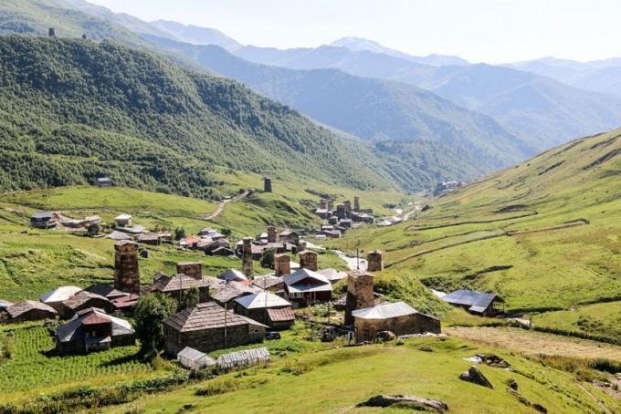 Panorama Ushguli Gruzja