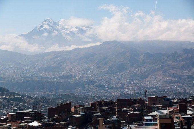Szczyt Illimani nad La Paz Boliwia