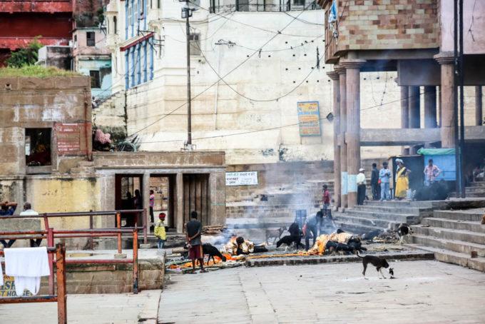 Indie Waranasi kremacje