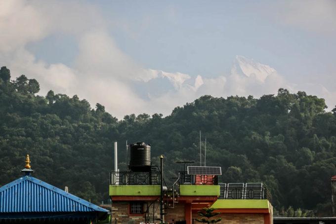 Nepal Pokhara widok z okna