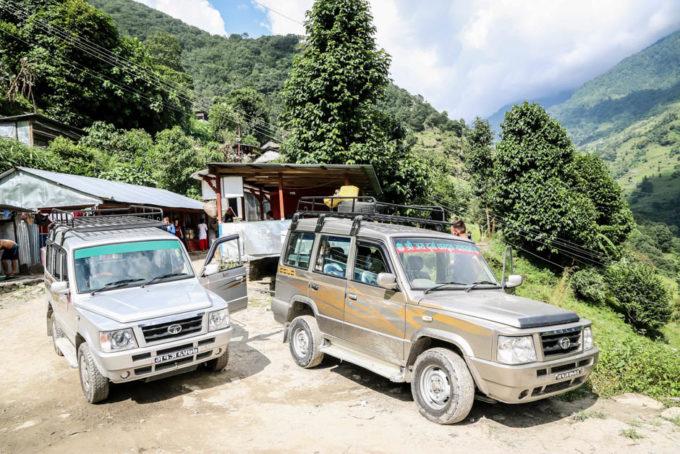 Nepal trekking do ABC jeepy w Siwai