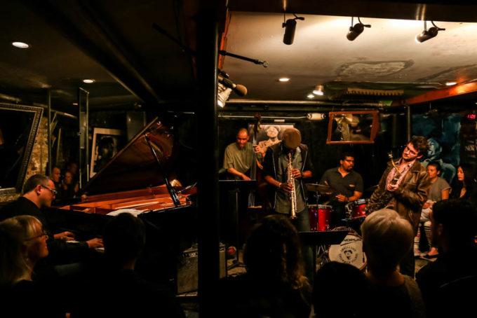 Nowy Jork Smalls Jazz Club koncert