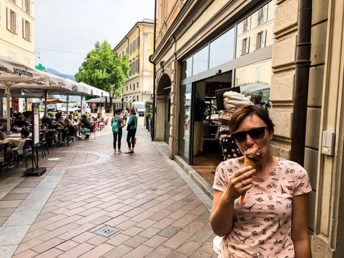 Lody z czekoladą szwajcarską Lugano