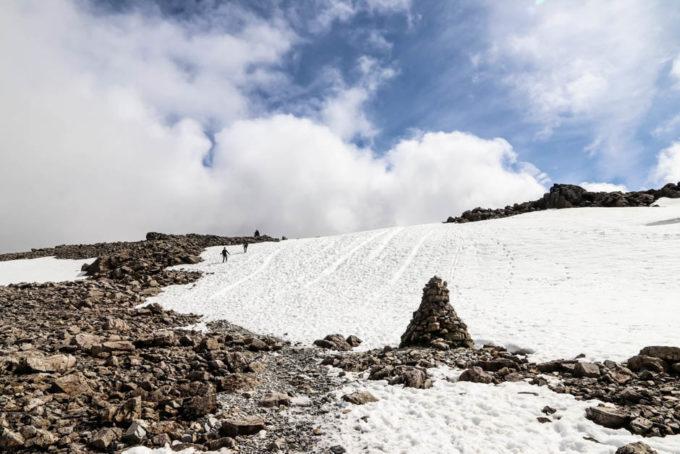 Śnieg przed szczytem Ben Nevis