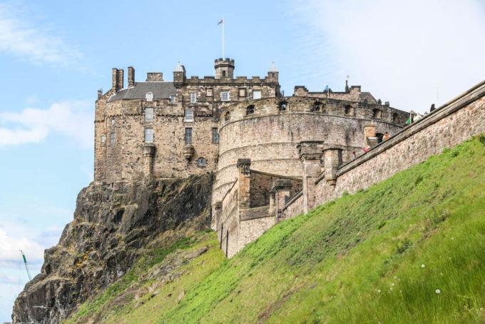 Zamek Edynburg na skale