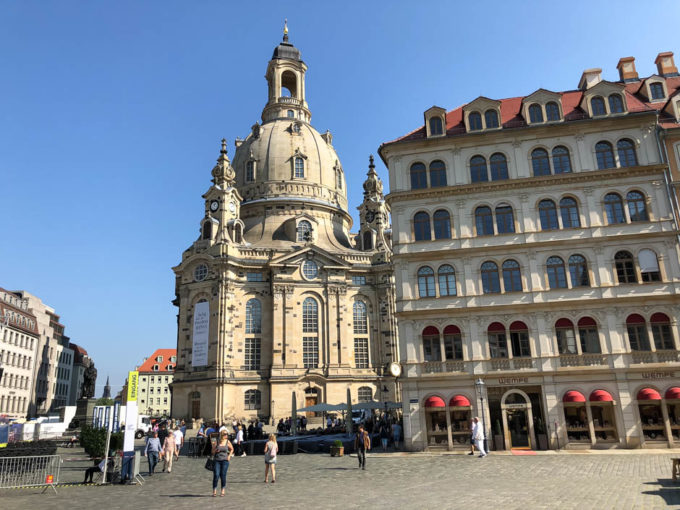 Neumarkt i kościół Frauenkirche rynek Drezna