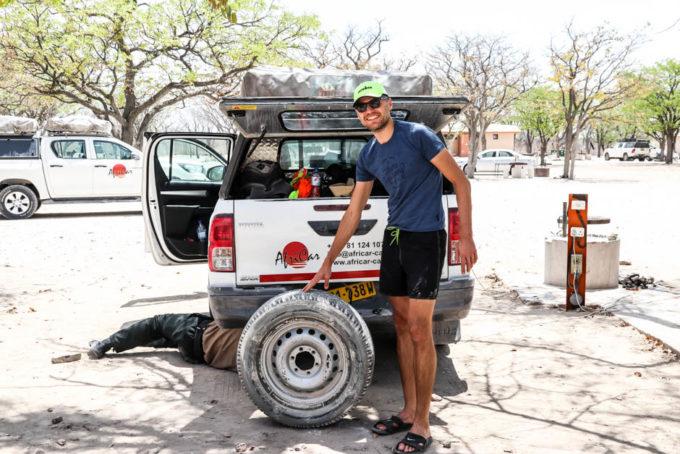 Safari w PN Etosha wymiana koła